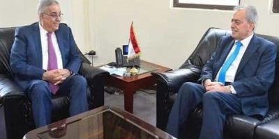 وزير الخارجية اللبناني يبحث مع السفير عبد الكريم العلاقات بين البلدين