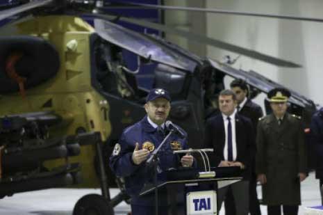 أعرب وزير الدفاع التركي عن أمله في تقديم «التحالف» الدعم الجوي لعملية «درع الفرات» (الأناضول)
