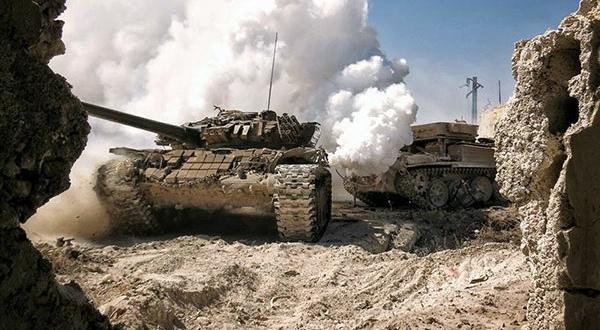 """الجيش يقضي على """"أمير داعش"""" بالضفة الشرقية للفرات .. ويتقدم باتجاه الميادين"""